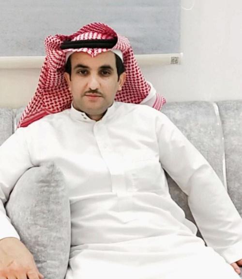 """رئيس مركز امارة الحفير يُكّرم """"سلمان الدبلان"""""""
